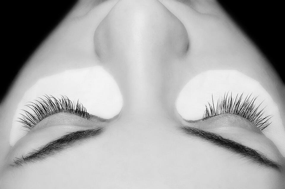 Wimpernverlängerung Behandlung 20 Wimpern | DerJungbrunnen Aichach