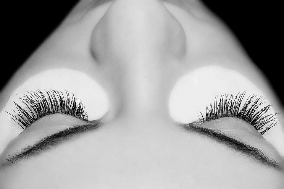 Wimpernverlängerung Behandlung 50 Wimpern | DerJungbrunnen Aichach